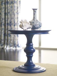 Feeling flow-blue? Like many aficionados of antique earthenware, we just can't get enough of this vintage #indigo hue.