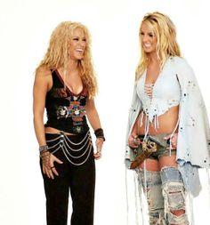 Britney Spears Elogia Nova Música de Shakira e Rihanna http://evpo.st/1kDImPg