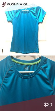 Champion dry fit workout T-shirt Great fitted workout tee in turquoise. Size S Champion Tops Tees - Short Sleeve