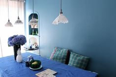 dentelle petites lampes suspensions i could live here : the colorful world of anne millet. / sfgirlbybay