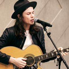 British musician James Bay performing the live soundtrack to the Burberry Prorsum S/S15 show