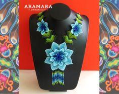 Collar mexicana Huichol con cuentas azul y naranja flor por Aramara