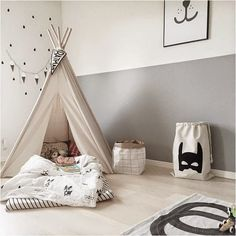Black, white and minimal kids room