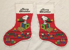 Vtg-Peanuts-Snoopy-Woodstock-Cut-amp-Sew-Xmas-Stocking-Panel-Cut-Red-Toys