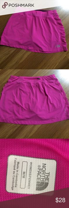 The North Face skirt Nice skirt,size M The North Face Skirts Mini