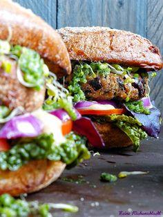 Homemade Veggie Burger mit Buchweizen-Rotebeete Patties & baked Carrots | Meine Küchenschlacht