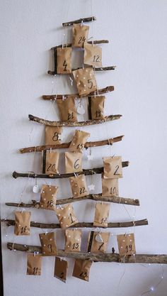 DIY Kalendarz adwentowy + zadania dla par do druku • origamifrog.pl Winter Christmas, Merry Christmas, Christmas Tree Advent Calendar, Advent Calenders, Diy Calendar, Christmas Aesthetic, Dream Rooms, Wind Chimes, Diy And Crafts