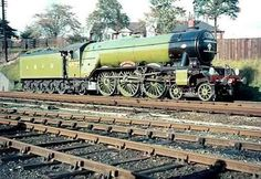 Flying Scotsman, Disused Stations, Steam Railway, Train Art, Old Trains, Train Pictures, Thomas The Tank, Steam Locomotive, Train Tracks