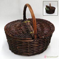 Ψάθινο, οβάλ καλάθι πικ νικ σε καφέ σκούρο χρώμα. Picnic, Brown, Picnics, Brown Colors