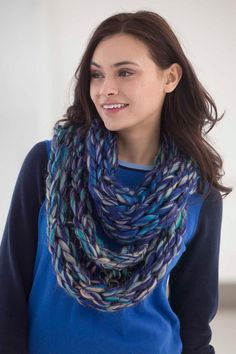 Arm Knit Cowl in Lion Brand Quickie - Digital Version | Free Knitting Patterns | Knitting Patterns | Deramores