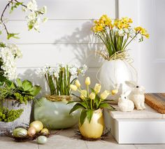 Adorable Easter arrangements. Diy Easter Decorations, Easter Gift, Easter Décor, Easter Table, Easter Dinner, Hoppy Easter, Easter 2020, Easter Ideas, Spring Home