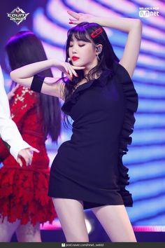 dedicated to female kpop idols. Kpop Girl Groups, Kpop Girls, Kpop Fashion, Korean Fashion, Rapper, Soo Jin, Liu Wen, K Pop Star, Stage Outfits