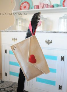 DIY Valentine Fabric Envelopes- and use them for a Valentine Advent - Craft-O-Maniac, canvas, could be felt, plus red ribbon and some stamps