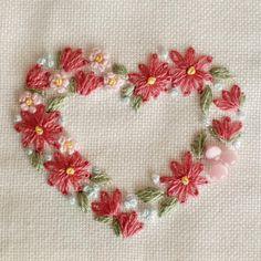 いいね!961件、コメント16件 ― 【atelier Ao】Mayu Kashimotoさん(@atelier.ao)のInstagramアカウント: 「* 久しぶりの ハート のデザイン、赤にしました。 * * * * * * * * * * #blooms #embroidery#刺繍 #DMCembroidery #embroideryart…」