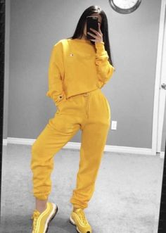 Cute Lazy Outfits, Sporty Outfits, Trendy Outfits, Cool Outfits, Girls Fashion Clothes, Winter Fashion Outfits, Look Fashion, Looks Adidas, Cute Sweatpants