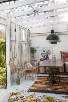 Astounding Useful Ideas: Furniture Placement Staging modern furniture outdoor. Furniture Showroom, Retro Furniture, Cheap Furniture, Luxury Furniture, Furniture Decor, Furniture Design, Steel Furniture, Furniture Stores, Industrial Furniture
