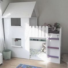 51 Cool Ikea Kura Beds Ideas For Your Kids Rooms. The Ikea beds are elegant furniture among the many product lines found at the Ikea stores in different countries. Ikea Loft, Ikea Kura Bed, Murphy-bett Ikea, Murphy Bed Plans, Kids Bunk Beds, Decorate Your Room, Girl Room, Bedroom Decor, Home Decor