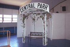 party props decorations new york theme central park gazebo props and scenery special event decore themed events themes