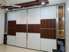 Here you will find photos of interior design ideas. Get inspired! Wall Wardrobe Design, Sliding Door Wardrobe Designs, Wardrobe Doors, Bedroom Bed Design, Bedroom Furniture Design, Home Room Design, House Design, Tea Table Design, Modular Wardrobes