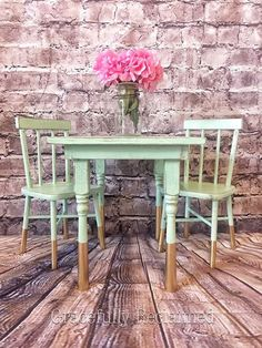 Alex\'s Art Table & Chairs   Do It Yourself Home Projects from Ana ...