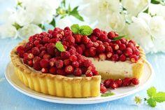Recette Crostata à la crème avec des fraises des bois et encore plus de recettes sur http://www.ilgustoitaliano.fr/
