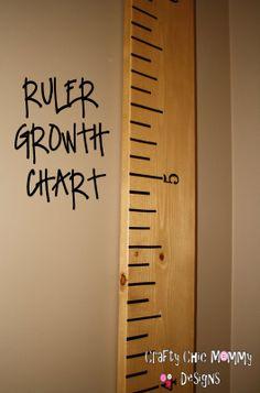 A giant ruler growth chart for kids room decor! #decor #decoracion #kids #room ideas para decorar la habitacion de los niños.