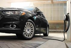 The 2015 Ford Fusion Hybrid is able to deliver impressive fuel economy ratings, but even better is the fact that it does so without sacrificing performance.