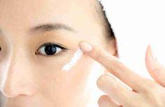 Según las tradiciones antiguas japonesas, cara de mujer debe siempre tener vista perfecta.  No ha cambiado nada y en esta época. La realidad de alta tecnología japonesa se combina extremadamente orgánicamente en la vida diaria con las tradiciones, las costumbres y las recetas, comprobadas por el t