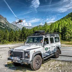"""// """"Il team #GrandAlpineTour continua adaffrontare terreni impegnativi come ilviaggio attraverso le #Alpi che sta portando avanti grazie a #Defender.…"""""""