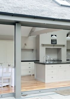 This is similar layout to our plans - looking from pation thru folding doors onto island and range/Aga. Love the colour and overall look Open Plan Kitchen, Country Kitchen, New Kitchen, Devol Kitchens, Home Kitchens, Kitchen Interior, Kitchen Decor, Cottage Shabby Chic, Cuisines Design