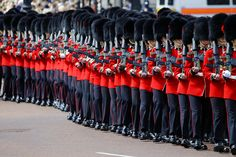 Changing of the Guard in #London http://www.nyhabitat.com/blog/2014/08/18/top-yearly-events-london/