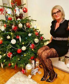 JADZIA HANKUS - 2020 . Christmas Tree, Photo And Video, Holiday Decor, Instagram, Teal Christmas Tree, Xmas Trees, Christmas Trees, Xmas Tree