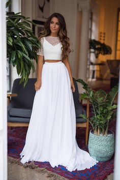 This bridal separates - 2 piece wedding dress with chiffon skirt in bohemian style is good choice fo Chiffon Rock, Chiffon Skirt, Silk Chiffon, Bohemian Wedding Dresses, Bridal Dresses, Wedding Gowns, Wedding Skirt, Lace Wedding, Wedding Venues