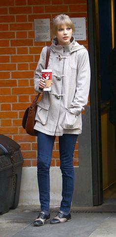 taylor swift blue jeans
