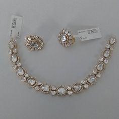 bridal sets & bridesmaid jewelry sets – a complete bridal look Diamond Necklace Set, Diamond Pendant, Diamond Jewelry, Gold Jewellery, Jewellery Holder, Jewellery Sale, Bold Necklace, Antique Jewellery, Jewellery Designs