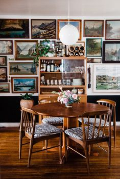 How to Create a Vintage Landscape Gallery Wall — Retro Den Vintage Design, Vintage Decor, Vintage Furniture, Vintage Art, Budget Home Decorating, Interior Decorating, Modern Interior, Interior Design, Vintage Landscape