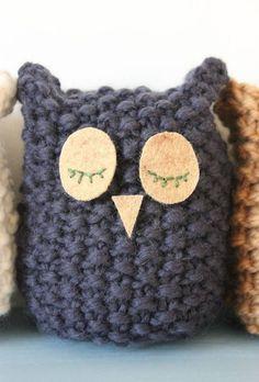 Crochet Pillow Animal Best of Crochet Pattern for Owl – Abdul Hakeem Crochet Owl Pillows, Crochet Owls, Crochet Baby, Knit Crochet, Knitted Owl, Knitted Animals, Animal Knitting Patterns, Loom Knitting, Owls