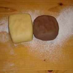 Kipróbált Linzer tészta recept a sütnijó.hu-n. A sütnijó.hu-n több száz kipróbált sütemény receptből válogathatsz, és te is felöltheted kedvenc süteményed. Cake Recipes, Dessert Recipes, Hungarian Recipes, Hungarian Food, Bakery Design, No Bake Desserts, No Bake Cake, Food And Drink, Cooking Recipes