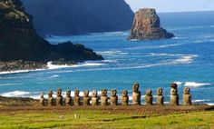 Isla de Pascua, Chile Places To Travel, Places To See, Chile Tours, Bolivia, Rivage, Equador, Fjord, Easter Island, Travel Illustration
