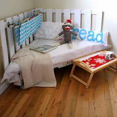 pallet reading nook for kids
