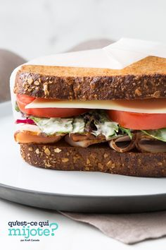 Sandwich César à la dinde et à la mayonnaise SERIOUSLY GOOD #recette Sandwich Recipes, Lunch Recipes, Mayonnaise, Bread Salad, Tomato And Cheese, Cracker, Turkey Sandwiches, Smoked Turkey, Delicious Sandwiches