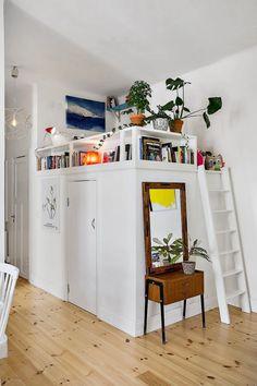 35 Wonderful Small Loft Ideas May Help You loft, apartment deign, small loft ide. 35 Wonderful Small Loft Ideas May Help You loft, apartment deign, small loft ideas Tiny Apartments, Tiny Spaces, Small Rooms, Loft Room, Bedroom Loft, Mezzanine Bedroom, Loft Design, House Design, Bed Design