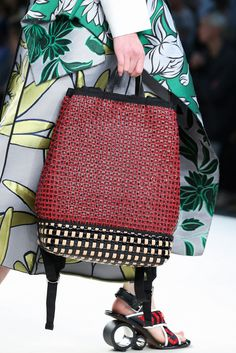 Marni Spring 2015 Ready-to-Wear Accessories Photos - Vogue