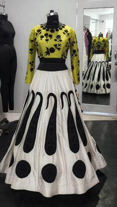 Bollywood Wedding, Punjabi Wedding, Lehanga For Kids, Lehnga Dress, Lahenga, Bridal Outfits, Trendy Dresses, Indian Dresses, Indian Fashion