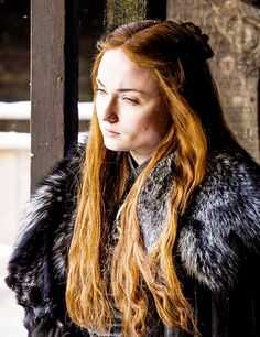 sophie turner game of thrones Casa Stark, House Stark, Winter Is Here, Winter Is Coming, Sophie Turner, Got Serie, Sansa Stark Costume, Game Of Thrones Sansa, Game Of Thrones Costumes