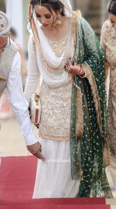 Latest Photographs Nikkah bride - Best Hair Styles for Women Men and Kids Popular Wonderful Wedding Dresses ! The current wedding dresses 2019 includes twelve various dresses in the Asian Wedding Dress, Pakistani Wedding Outfits, Pakistani Bridal Dresses, Pakistani Wedding Dresses, Pakistani Dress Design, Bridal Outfits, Bridal Hijab, Lehenga Wedding, Nikkah Dress