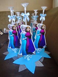 Oi Gente! Tudo bem com vocês??     Já que este tema de festa Frozen, é um dos mais procurados por esses dias, resolvi separar 40 ideias que...