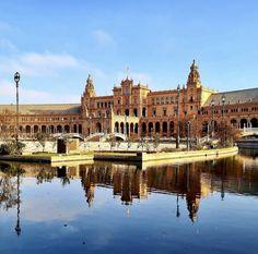 Spain, Louvre, Mansions, House Styles, Building, Travel, Home, Sevilla, Viajes