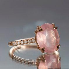 Rosenquarz-Ring ovale Verlobungsring 375 Carat von VividGemsOnEtsy