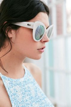 Quay Screamin Diva Cat-Eye Sunglasses - Urban Outfitters